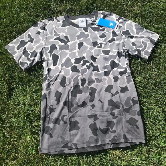 NWT Adidas Originals Camo T Shirt Size Medium